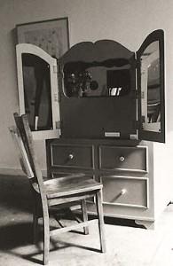 Art Dresser